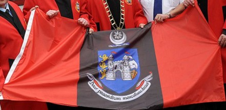 [Drogheda, Louth flag]